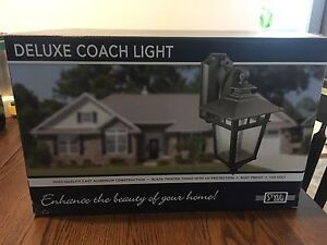 Deluxe Coach Light - out door (2)