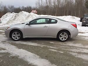 """2012 Nissan Altima COUPE """"69kms"""""""