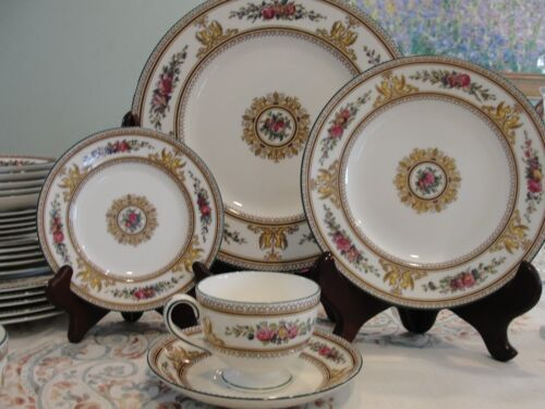 WEDGWOOD COLUMBIA 1- 5 PIECES PLACES SETTING 5 PIECES