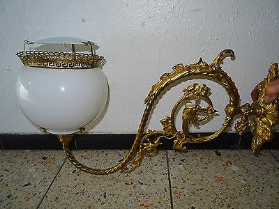 Bronze Große Wand (Große, alte Wandlampe aus Bronze mit Glasschirm)