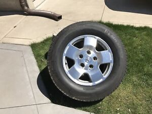 2010 Toyota Tundra tire and rims
