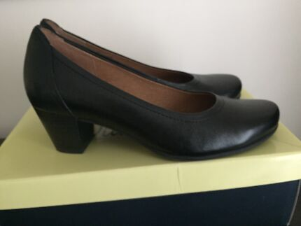Black work shoes as new size 7
