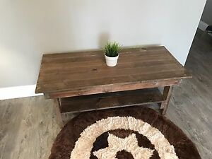 Rustic and Modern Pallet Coffee Table