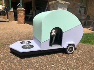 Retro van dog kennel