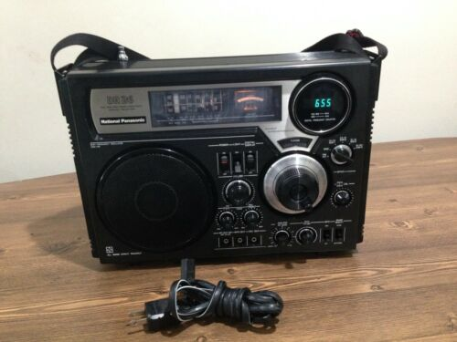 National Panasonic DR 26 FM-MW-SW 6 Band Receiver Model # RF-2600B, Excellent.
