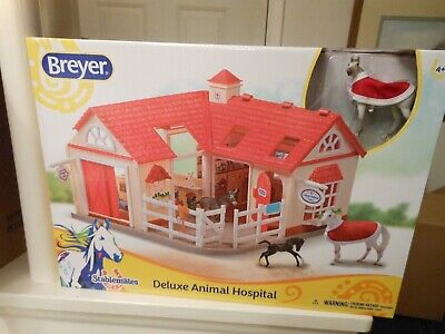 BREYER HORSE #59204 Stablemates DELUXE ANIMAL HOSPITAL PRETEND Play BARN