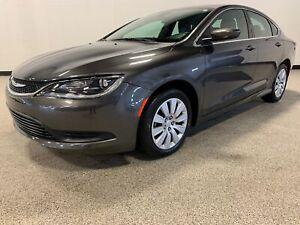 2015 Chrysler 200 LX CLEAN CARFAX, ONE OWNER, REMOTE START