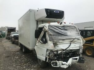 Insurance Salvage 2015 Mitsubishi Fuso Fe160 refer box