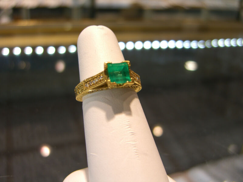 Womens Fine 18 Karat Yellow Gold Diamond And Emerald Ring New 1.25 Carat Emerald