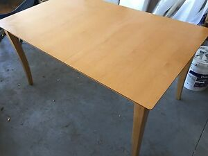 Beautiful maple table $300 (chairs optional)