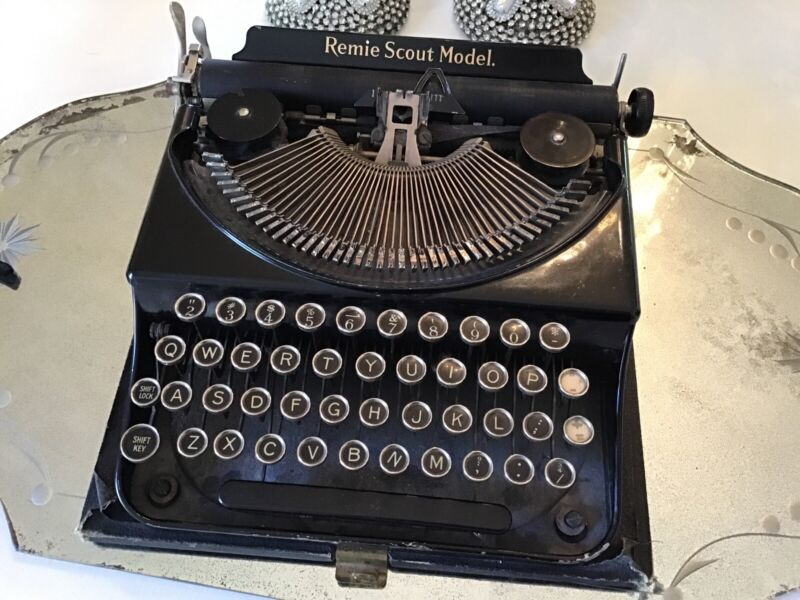 Remie Scout Model Typewriter 1930's Black Vtg Antique old