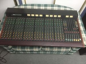 Yamaha Mixer model 2408M Surrey Hills Boroondara Area Preview