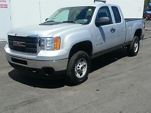 2012 GMC Sierra 2500 HD Work Truck Ext. Cab Long Box 4WD