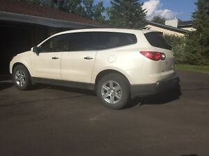 2012 Chevrolet Traverse 2 LT  AWD