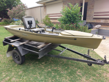 Hobie Pro Angler 14 2012 with trailer & accessories
