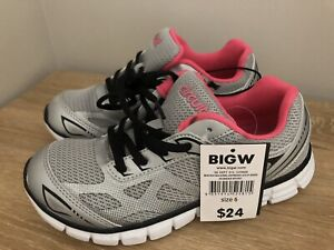 NEW Women's Size 6 / Girl's Size 4 or 5 Sneakers Runners