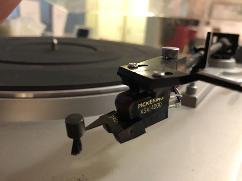 Vintage AKAI Turntable AP-110