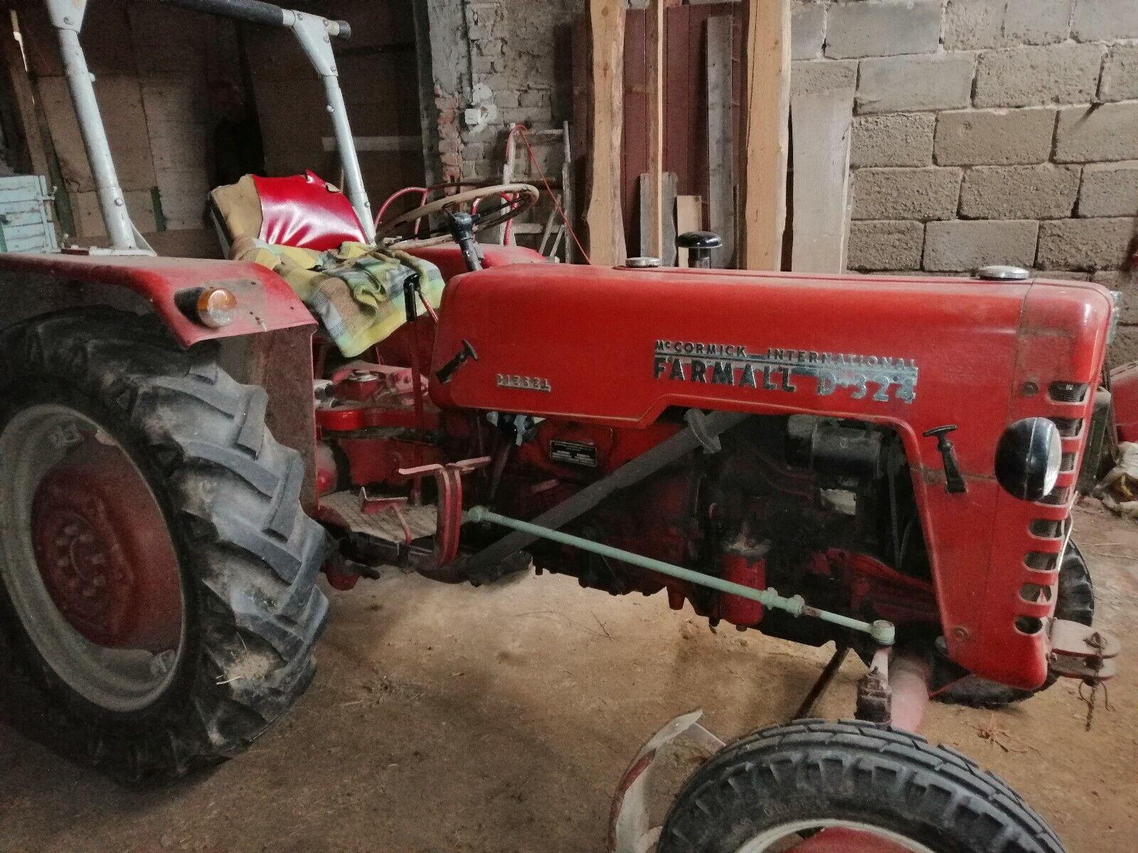 Traktor Schlepper McCormick IHC