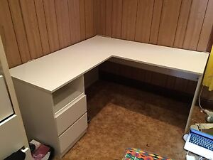 fantastic furniture corner desk Furniture Gumtree Australia