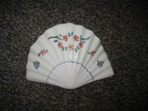 Vintage Fan Wall Pocket Flowers