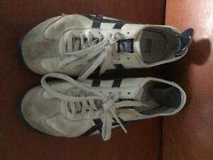 Tigers men's shoes Menai Sutherland Area Preview