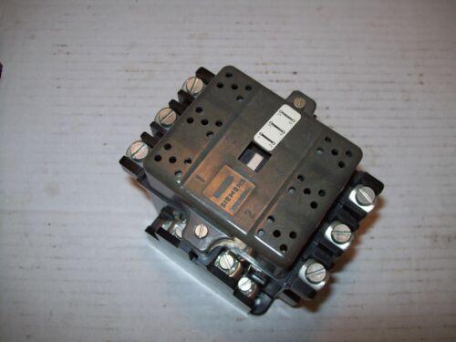 SIEMENS 3TA22 10-2P CONTACTORS 1-25HP @ 115-600V 22A 3P NC 120 VAC COIL P1570