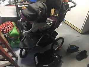 Pousette et siege d'auto pour bebe