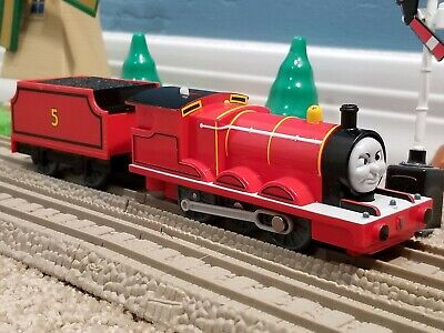 """TOMY Trackmaster Thomas & Friends """"JAMES"""" Flip Face Angry 2006 Train RARE"""