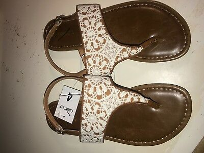 Cherokee Girl's Fern Thong Sandals - Ivory - Youth Size 4/Women's Size 5.5 - Ivory Girls Sandals
