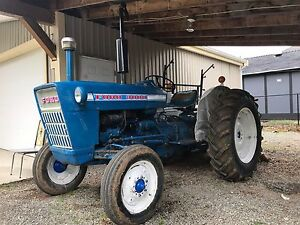 **CHEAP** 1977 40Hp FORD 3000 FOR SALE