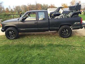 Truck forsale (please read ad)