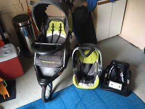 Baby Trend Expedition jogging stroller with car seat and base