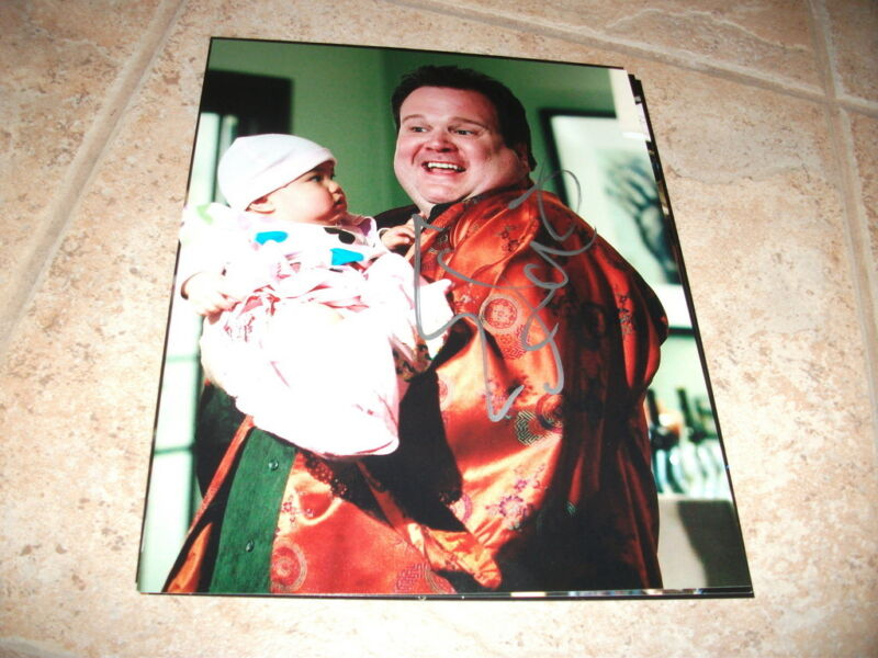 Eric Stonestreet Modern Family Cameron Signed 8x10 Television Autographed Photo