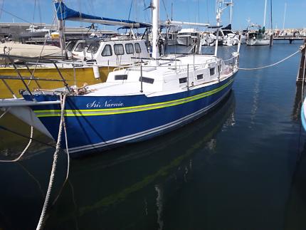34ft  yacht  steel bilge keeler