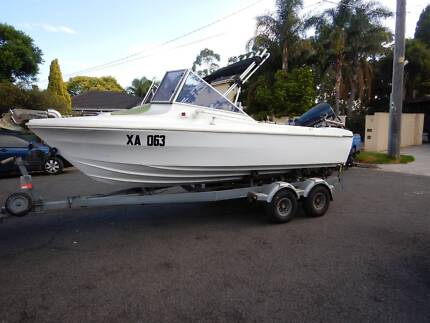 Fishing Boat 4.9 m with trailer