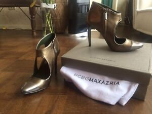 New bcbg leather shoes in box size 5 1/2