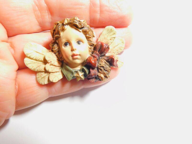 Pretty Resin Cherub Angel Brooch Vintage