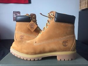 ** TIMBERLANDS 6 INCH PREMIUM BOOTS ** SIZE 10.5 ** DEADSTOCK