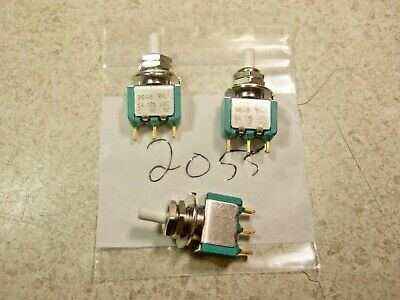 Lot Of 3 Electroswitcheaton Ps1-100g Spdt Pushbutton Switch