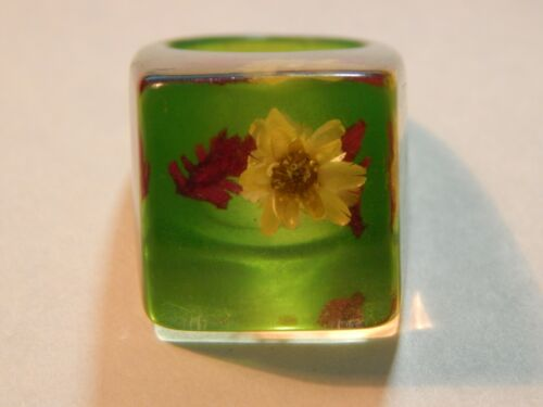 Vintage Green Lucite Acrylic Ring With Yellow & Red Suspended Flower Inside