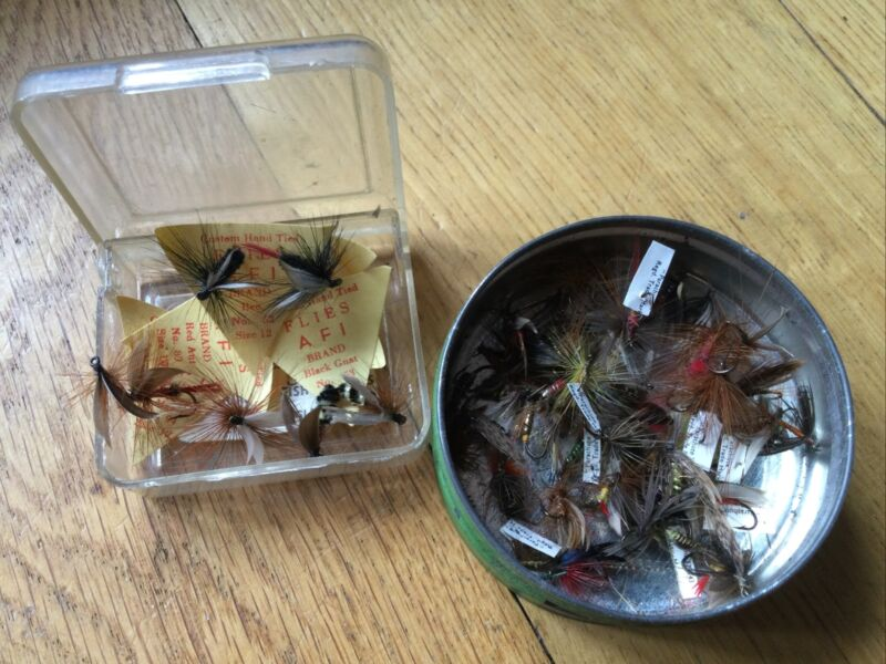 VINTAGE NAMED TROUT FLY FISHING FLIES.