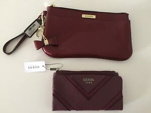 GUESS WALLET AND WRISTLET