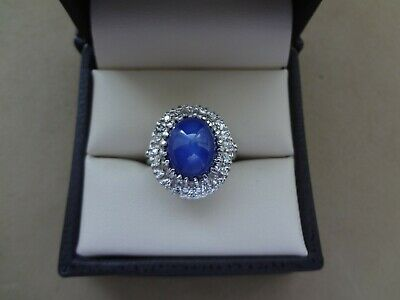 LOVELY 14K WHITE GOLD OVAL STAR SAPPHIRE CABOCHON RING W/ TEXTURED DIAMOND HALO