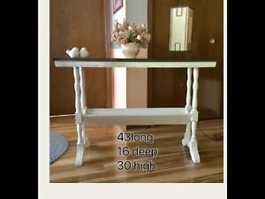 Antique hall/sofa table makeover with espresso gel stain on top