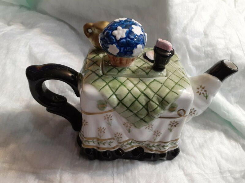 Houston Harvest Gift HH Hand Painted Table Setting Teapot Teacart
