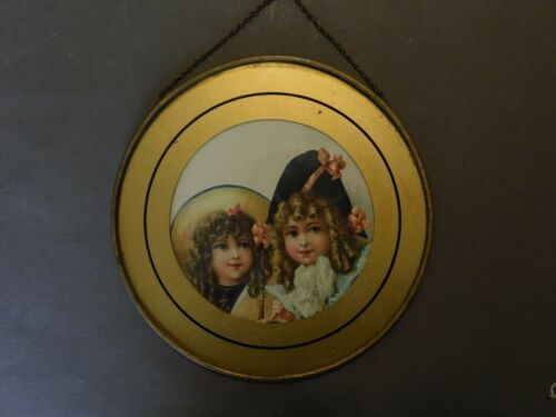 ANTIQUE VICTORIAN FLUE COVER CHROMOS LITHOGRAPH TIN GLASS 2 GIRLS (M)