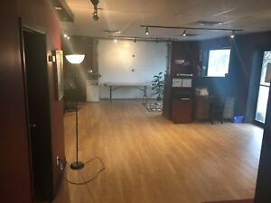 800 SQ/FT Space For Rent