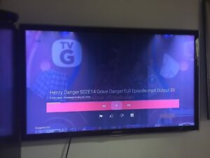 Samsung 47 inch smart led tv with blue ray player