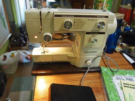 Janome sewing machine seized suit parts motor and pedal good