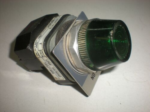 Allen Bradley 800T-P16 Panel Light - Green Lens - 120VAC - Bulb Tests OK